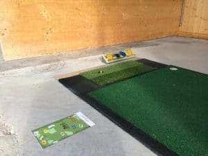Golf Abschlagmatte mit Entfernungstafel