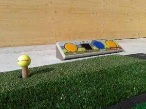 GolfKultur Tee-Up System in den Abschlaghütten